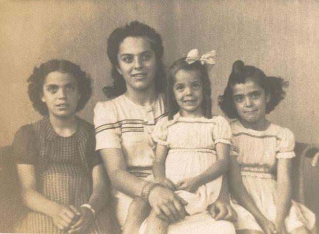 anna-ziza-marta-ruth-1942_jpg